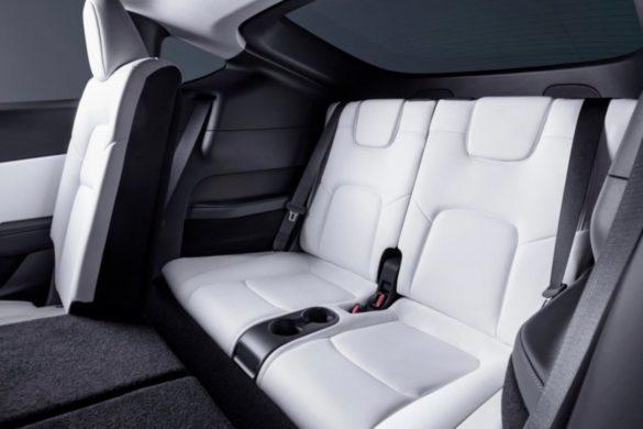 Hihetetlenül kicsi a Tesla Model Y harmadik üléssora - fotók