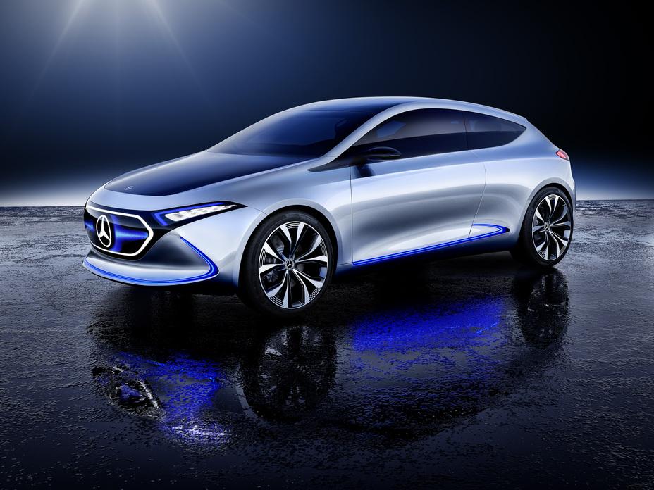 Videón a Mercedes-Benz EQA kevésbé álcázott prototípusa