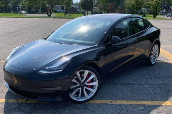 Erősebb akkumulátort kap a 2021-es Tesla Model 3